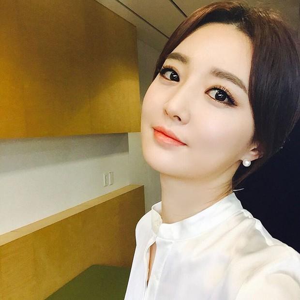 Xôn xao vì vợ diễn viên Vì sao đưa anh tới vừa quá đẹp vừa giống Lee Young Ae - Ảnh 10.