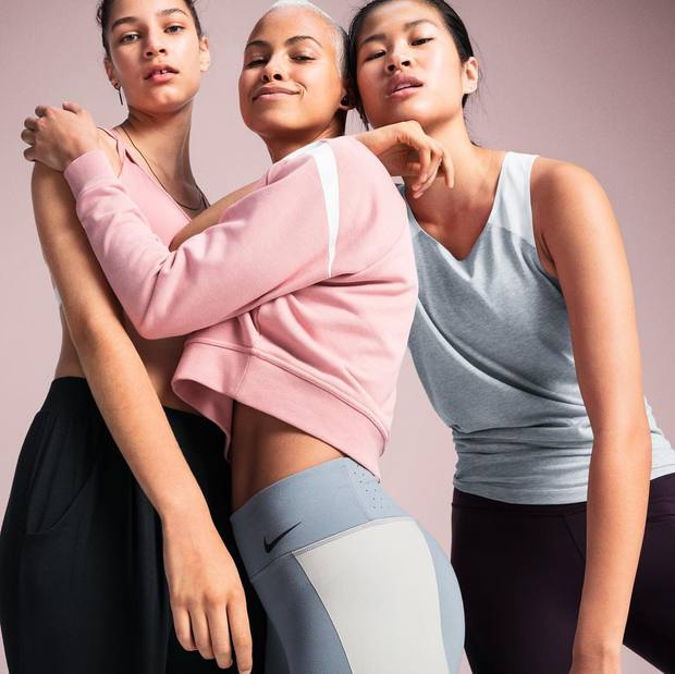 Bán mỗi giày hồng đã là gì, giờ Nike còn tung ra bộ sưu tập toàn đồ màu hồng cho hội chị em rồi đây này - Ảnh 9.