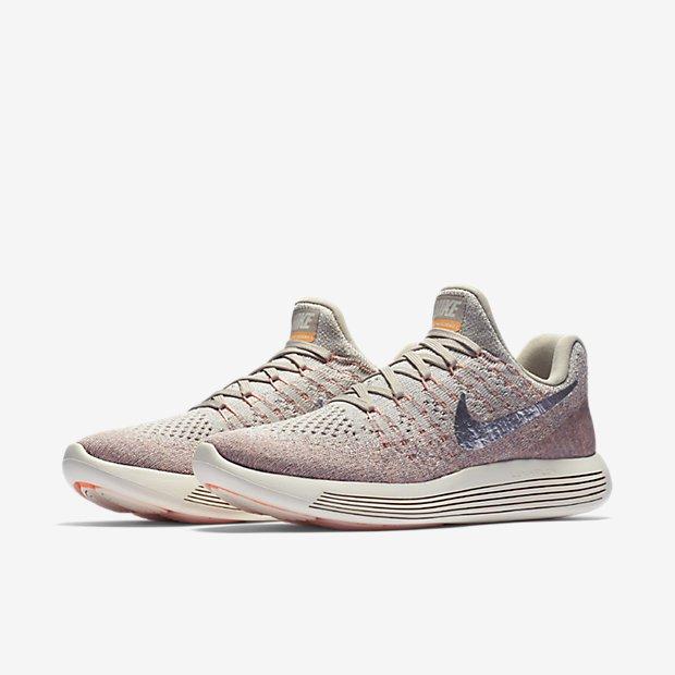 Bán mỗi giày hồng đã là gì, giờ Nike còn tung ra bộ sưu tập toàn đồ màu hồng cho hội chị em rồi đây này - Ảnh 5.