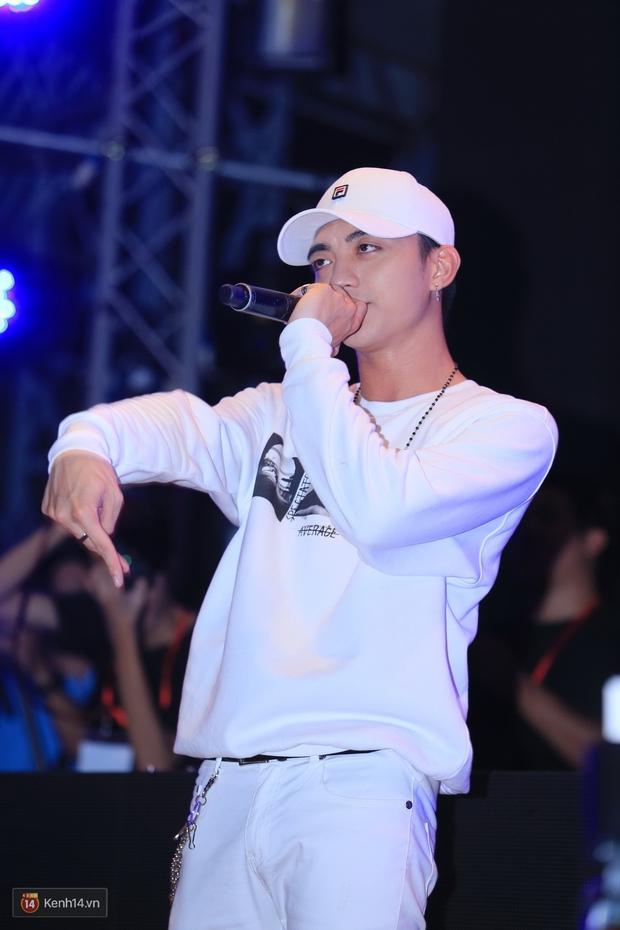 Soobin Hoàng Sơn và dàn DJ nổi tiếng quẩy hết mình cùng khán giả Hà thành trong đêm nhạc EDM sôi động - Ảnh 1.
