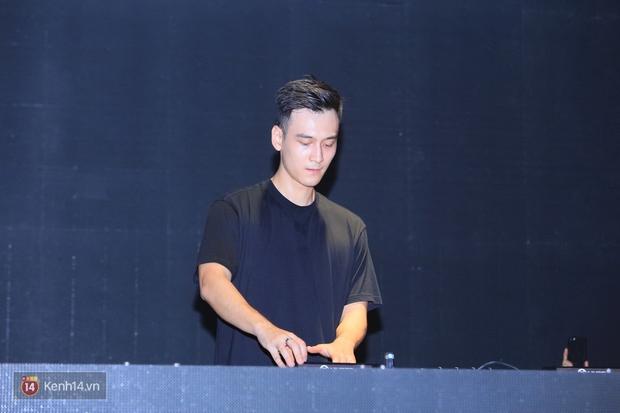 Soobin Hoàng Sơn và dàn DJ nổi tiếng quẩy hết mình cùng khán giả Hà thành trong đêm nhạc EDM sôi động - Ảnh 8.