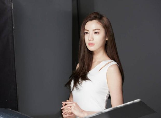 Vượt qua 1000 sao Hàn, Lee Dong Wook và cựu gương mặt đẹp nhất thế giới được trao danh hiệu đẹp thật - Ảnh 10.