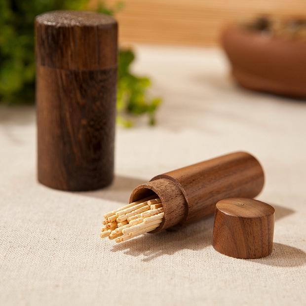 Sau khi dùng tăm xong người Nhật thường có 1 thói quen rất lạ - bẻ đuôi tăm và lý do là vì... - Ảnh 1.
