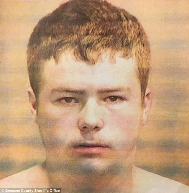 Đang đi trên đường cao tốc, ông bố 4 con thiệt mạng bởi hành động vô ý thức của 5 thiếu niên - Ảnh 2.