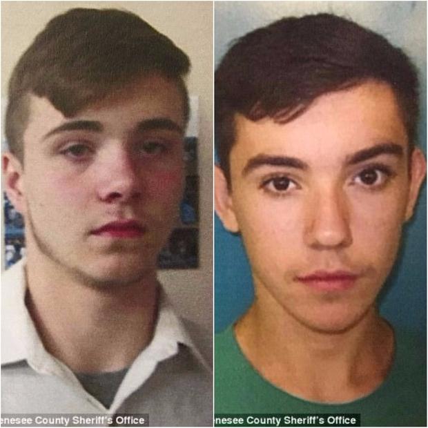 Đang đi trên đường cao tốc, ông bố 4 con thiệt mạng bởi hành động vô ý thức của 5 thiếu niên - Ảnh 3.