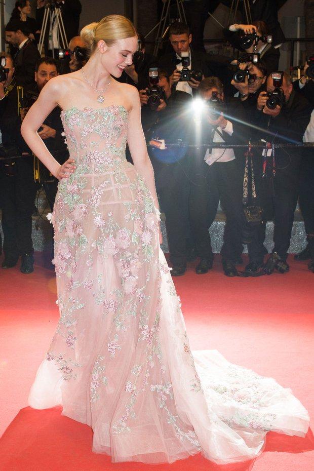 Tiên nữ giáng trần là câu miêu tả chính xác Elle Fanning tại LHP Cannes các năm! - Ảnh 9.