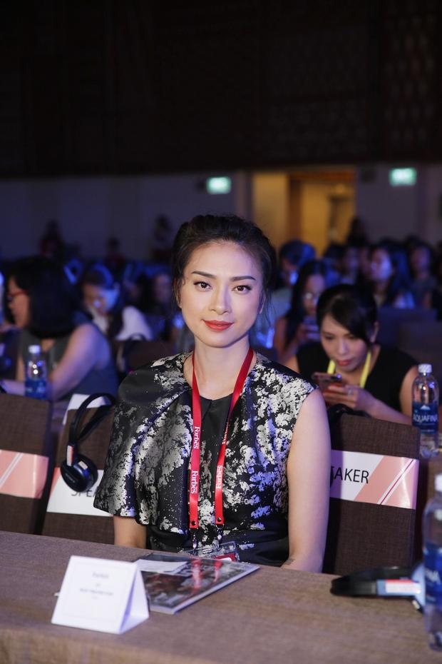 Đông Nhi, Ngô Thanh Vân xinh đẹp đi nhận giải top 50 người phụ nữ ảnh hưởng nhất Việt Nam - Ảnh 7.
