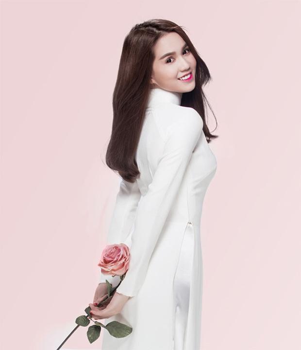 Cũng là áo dài trắng, nào ngờ Ngọc Trinh tóc ngắn lại xinh đẹp bội phần xưa kia - Ảnh 12.