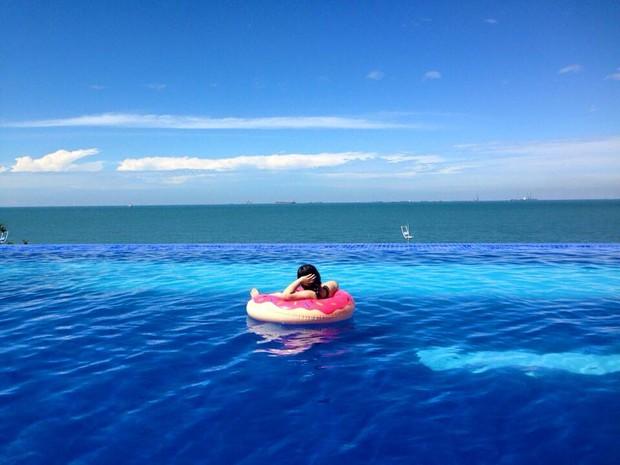 Bạn sẽ mê mẩn 3 hồ bơi tràn bờ biển siêu đẹp và rất gần Sài Gòn này mất! - Ảnh 11.