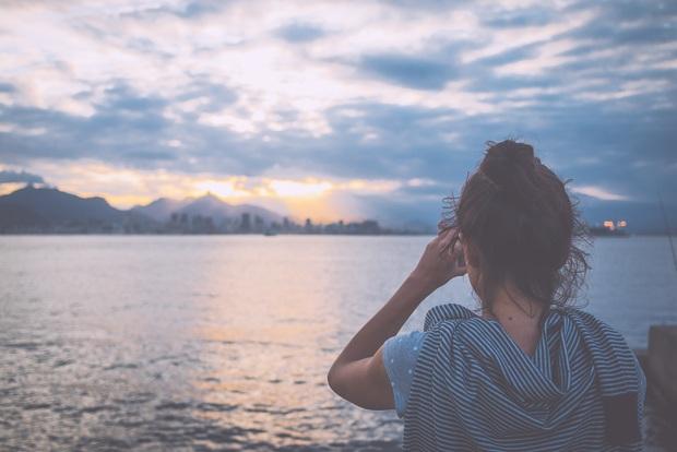 Gửi người yêu mới của người yêu cũ: Đừng dại dột mà ghen tuông với tình cảm đã qua - Ảnh 1.