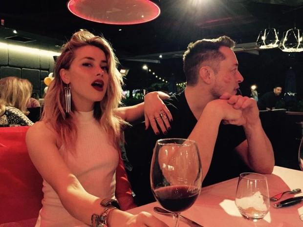 Amber Heard đau khổ vì bị tỷ phú Elon Musk nói lời chia tay sau 1 năm hẹn hò - Ảnh 1.