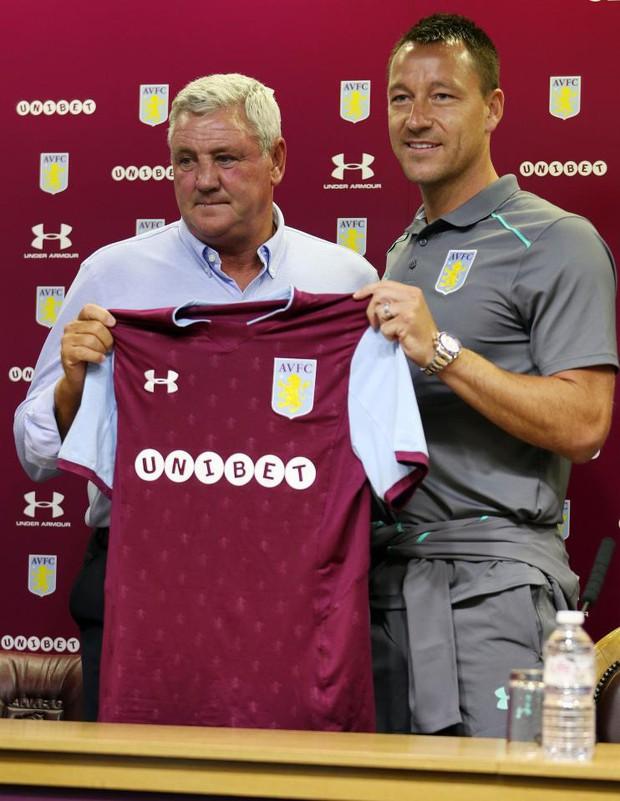 John Terry chính thức ra mắt đội bóng mới - Ảnh 2.