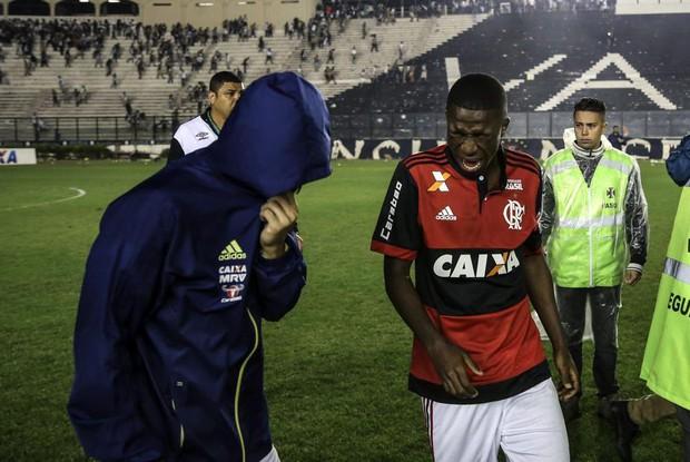 CĐV thiệt mạng sau cuộc bạo loạn kinh hoàng ở Brazil - Ảnh 5.