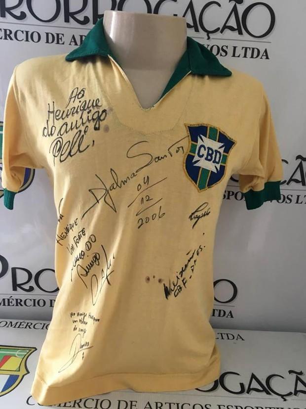 10 chiếc áo bóng đá có mức giá ngất ngưởng trên chợ eBay - Ảnh 9.