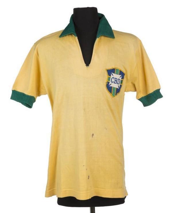 10 chiếc áo bóng đá có mức giá ngất ngưởng trên chợ eBay - Ảnh 2.
