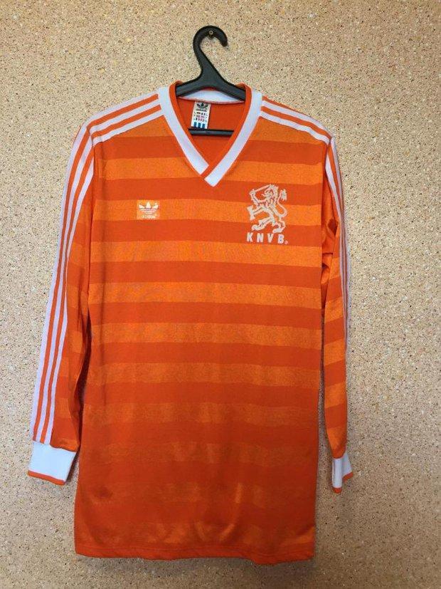 10 chiếc áo bóng đá có mức giá ngất ngưởng trên chợ eBay - Ảnh 1.