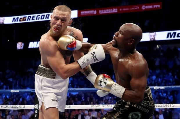 Chưa ngán đòn, McGregor đòi tái đấu Mayweather - Ảnh 1.