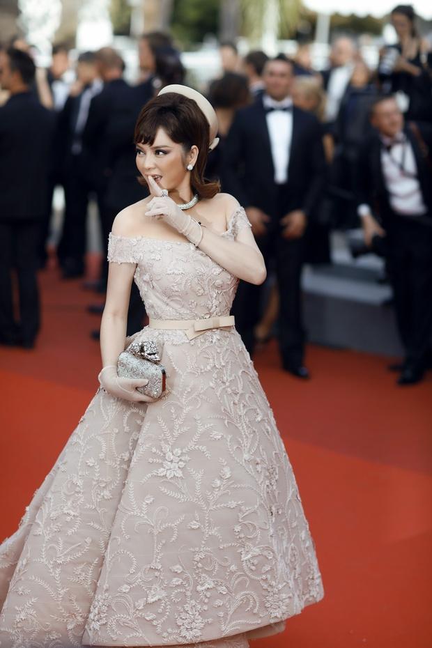 Lý Nhã Kỳ toả sáng lần cuối cùng với phong cách quý tộc tại thảm đỏ LHP Cannes - Ảnh 12.