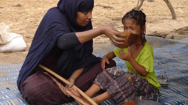 Ghé thăm nơi vỗ béo phụ nữ tại Mauritania - khi chuẩn mực cái đẹp trở thành cực hình - Ảnh 2.