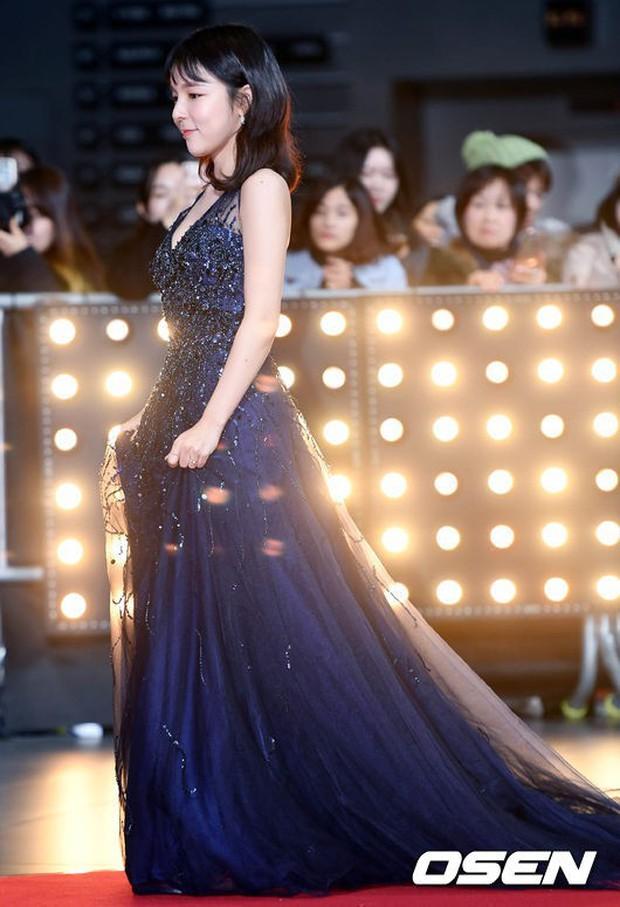 Thảm đỏ SBS Drama Awards: Nữ thần Suzy cân cả Yuri và dàn mỹ nhân hàng đầu Kpop, cặp vợ chồng Jisung quyền lực xuất hiện - Ảnh 35.