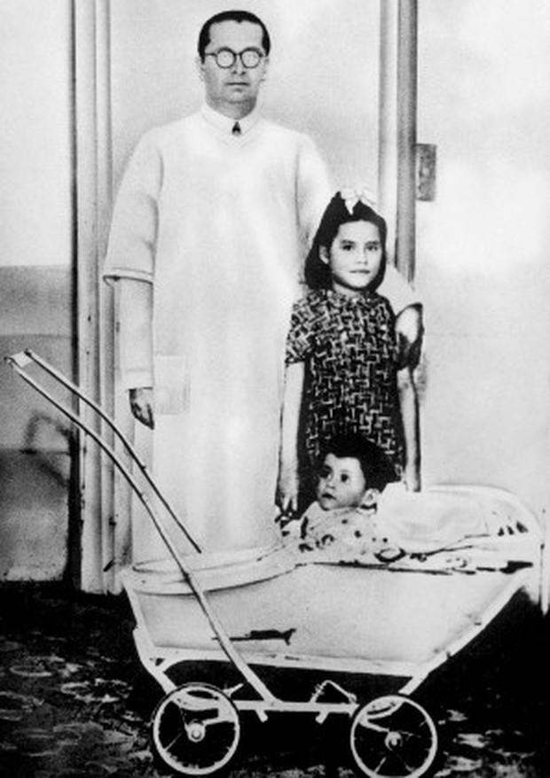 Câu chuyện gây sốc về cô bé trở thành người mẹ trẻ nhất thế giới khi mới lên 5 tuổi - Ảnh 2.