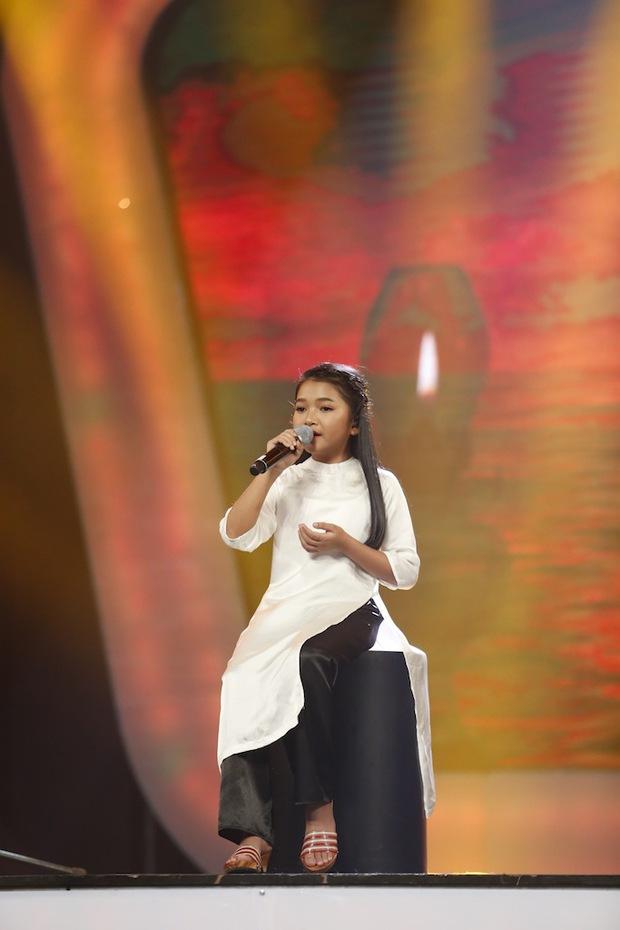 Vietnam Idol Kids: Các giám khảo đồng loạt rơi nước mắt khi cô bé này bị loại - Ảnh 13.