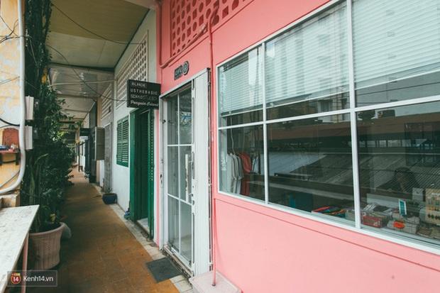 Các cửa hàng ở chung cư 42 Nguyễn Huệ nếu bị buộc phải đóng cửa, giới trẻ Sài Gòn lại mất một điểm vui chơi - Ảnh 2.