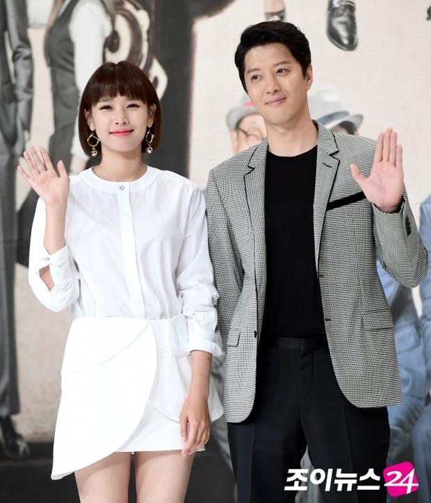 Chia tay Lee Dong Gun, Jiyeon chuyển sang hẹn hò nam ca sĩ từng dính bê bối quấy rối tình dục? - Ảnh 2.
