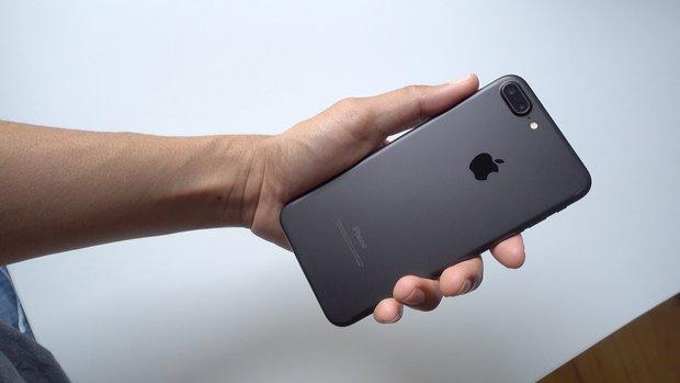 iPhone vẫn tốt nhưng có quá nhiều lý do để bạn không nên mua chiếc smartphone này - Ảnh 1.