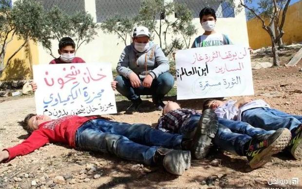 Khi cả thế giới im lặng, trẻ em Syria phải tự đứng lên cho số phận của mình - Ảnh 2.