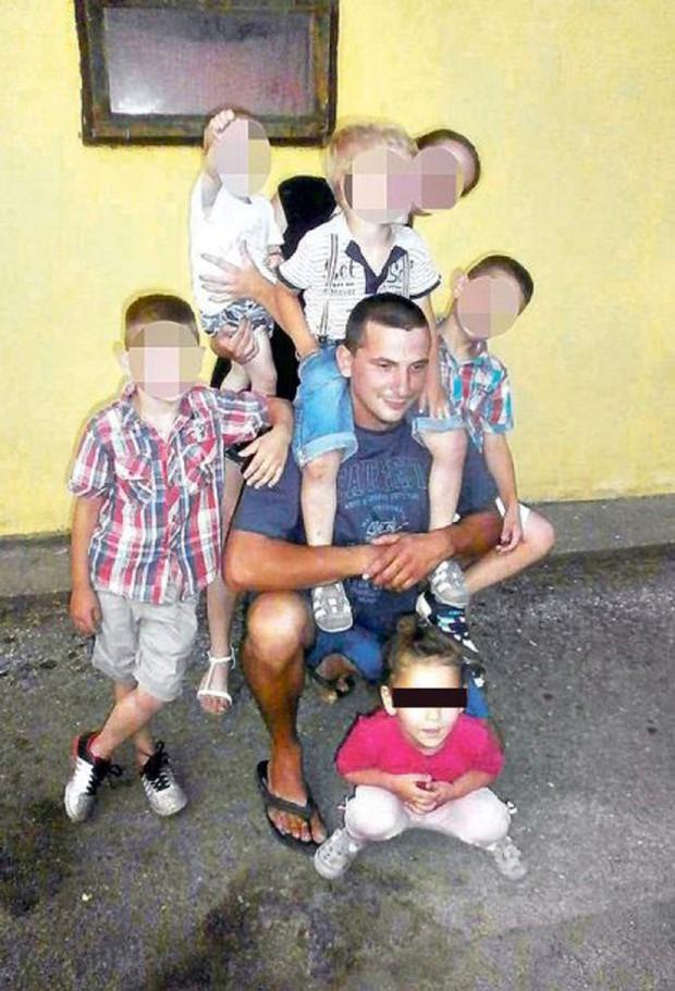 Chỉ một giờ sau khi chụp bức ảnh sinh nhật, bé gái 3 tuổi đã bị kẻ ấu dâm bắt cóc và sát hại dã man - Ảnh 1.