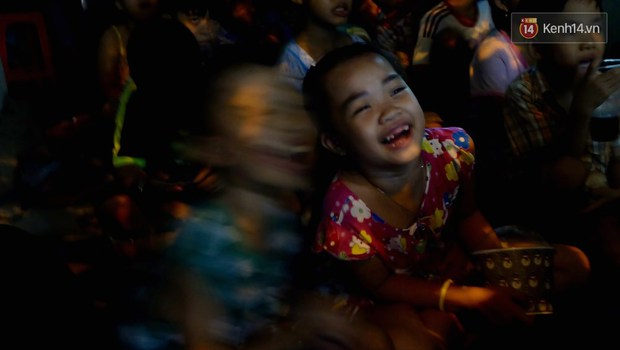 Rạp phim 300k ở miền Tây - Đưa ciné về miền quê cho tụi con nít nghèo - Ảnh 10.