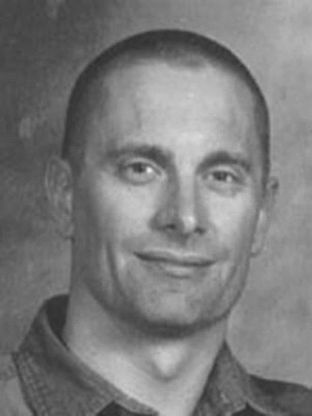 9 kẻ giết người táo tợn vẫn nhởn nhơ ngoài vòng pháp luật dù bị FBI truy lùng ráo riết - Ảnh 1.