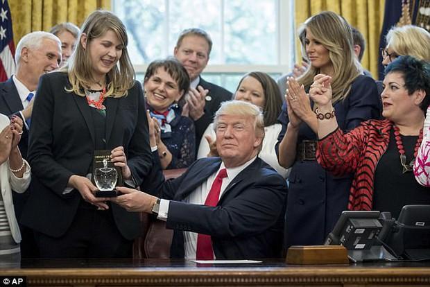 Vợ ông Trump lần đầu đón sinh nhật tại Nhà Trắng - Ảnh 1.