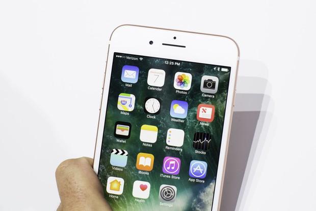 Dùng iPhone giờ không còn sang chảnh nhưng vì sao người Việt mãi không chán iPhone? - Ảnh 2.
