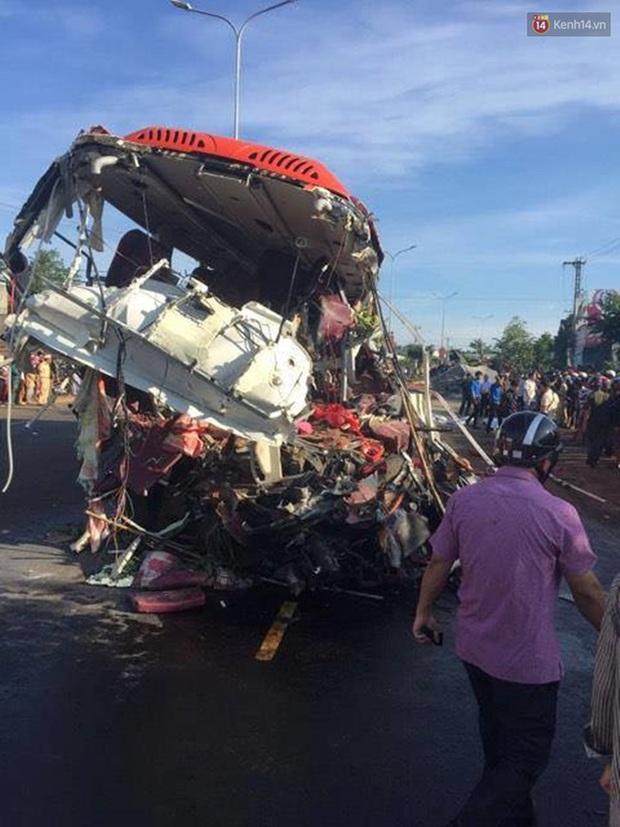 Họp báo vụ tai nạn thảm khốc ở Gia Lai: 13 người chết, lỗi hoàn toàn do tài xế xe tải - Ảnh 1.