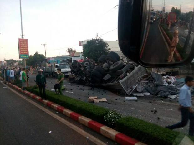 Tình người sau vụ tai nạn thảm khốc khiến 13 người chết tại Gia Lai - Ảnh 1.