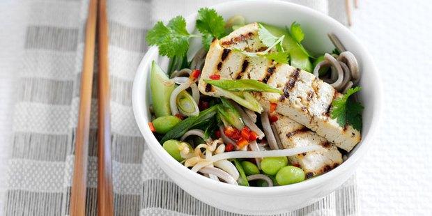 Có gì trong chế độ dinh dưỡng của người Nhật khiến họ luôn khỏe mạnh như vậy? - Ảnh 1.