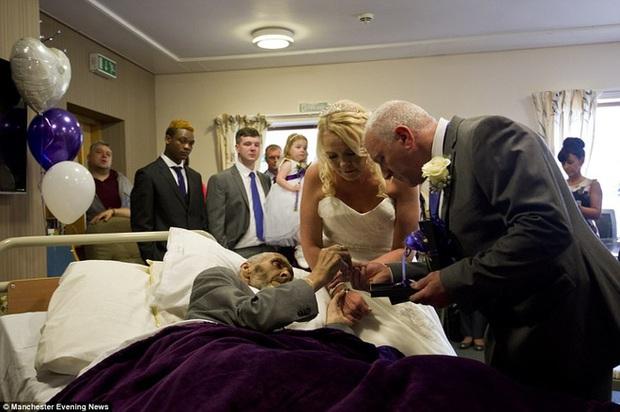 Người đàn ông đang hấp hối với ước mơ dang dở, những người lạ và nhân viên bệnh viện đã làm một chuyện không tưởng… - Ảnh 2.