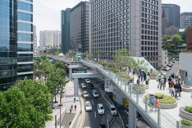 Ngắm khu vườn đẹp như cổ tích trên cầu vượt ở Seoul - Ảnh 2.