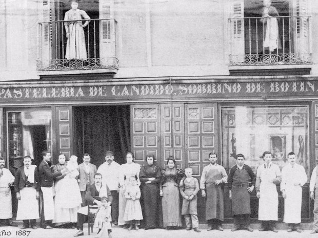 Có gì bên trong nhà hàng lâu đời nhất thế giới, hơn 300 năm hoạt động vẫn nườm nượp thực khách ghé thăm? - Ảnh 1.