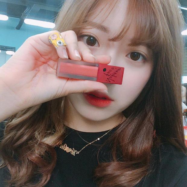 Sau son đỏ 3CE thì con gái Hàn lại mê tít 3 màu son mới của Nakeup Face - Ảnh 2.