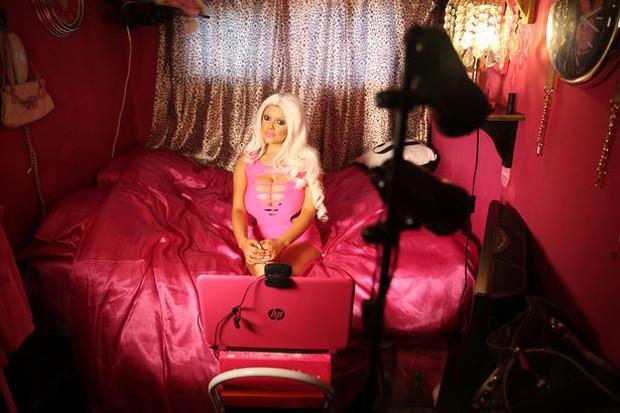 Diện kiến những nàng búp bê Barbie đóng hộp phiên bản lỗi - Ảnh 4.