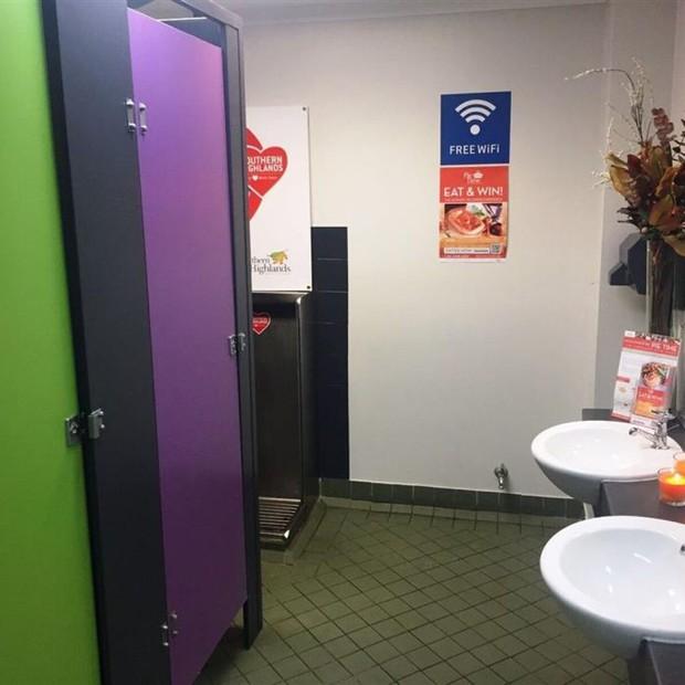 Ghé thăm 6 nhà vệ sinh lí tưởng nhất thế giới - Ảnh 1.