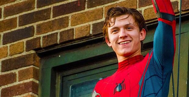 Tom Holland xác nhận giả thuyết Peter Parker đã xuất hiện trong Iron Man 2 - Ảnh 2.