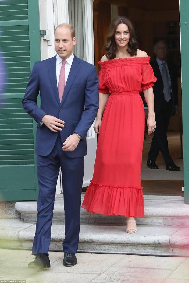 """Ít ai biết được rằng Công nương Kate và Hoàng tử William luôn chủ ý diện đồ """"tông xuyệt tông"""" - Ảnh 2."""