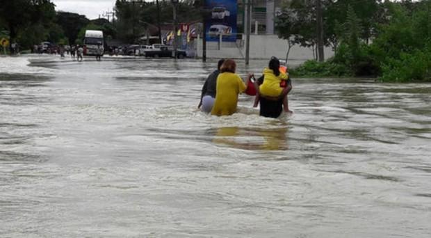 Thái Lan hứng chịu lũ lụt nghiêm trọng, 23 người chết - Ảnh 1.
