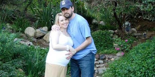 Vợ đột ngột qua đời sau sinh mổ, nhiều tháng sau, chồng mở máy tính cũ của cô và bật khóc - Ảnh 2.