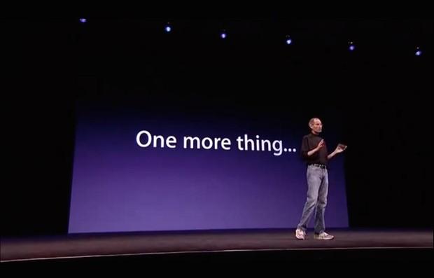 Khi ra mắt BPhone 2017, ông Nguyễn Tử Quảng đã bắt chước Apple mà không mấy ai hay - Ảnh 2.