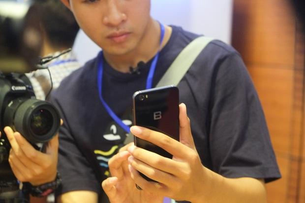 4 điều BPhone 2017 làm được còn iPhone đến giờ vẫn bó tay - Ảnh 4.